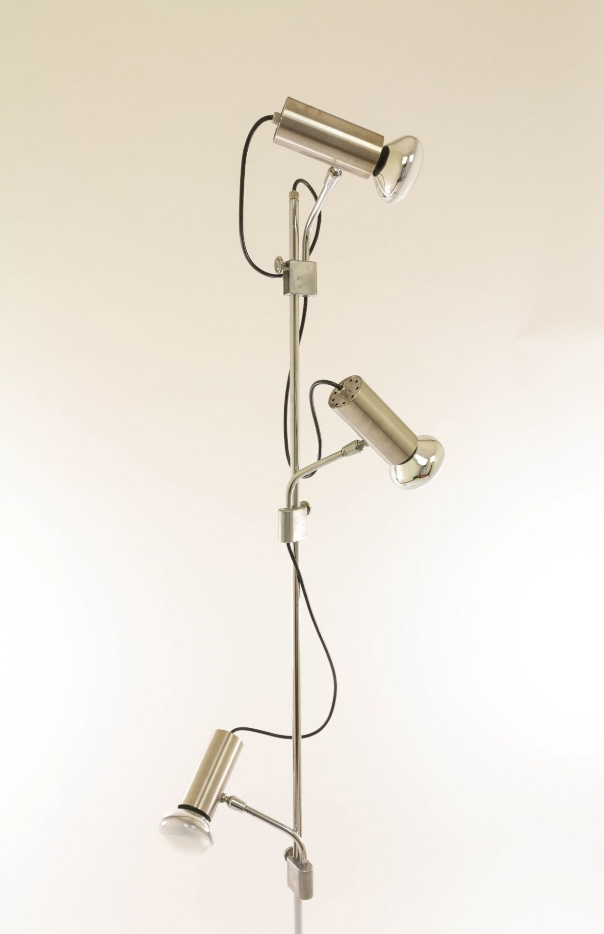 Italian chrome floor lamp with three spots and a marble base, 1970s