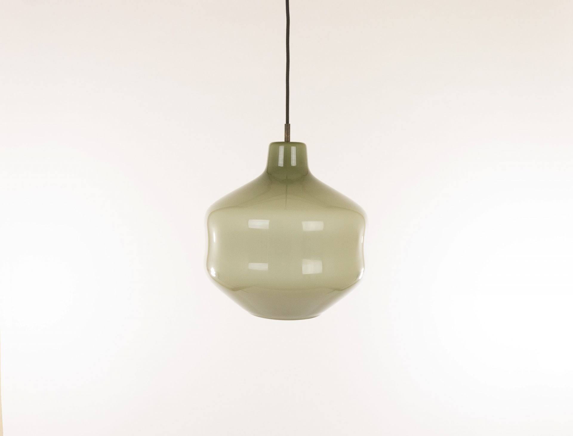 Grey hand-blown Murano glass pendant by Massimo Vignelli for Venini, 1950s