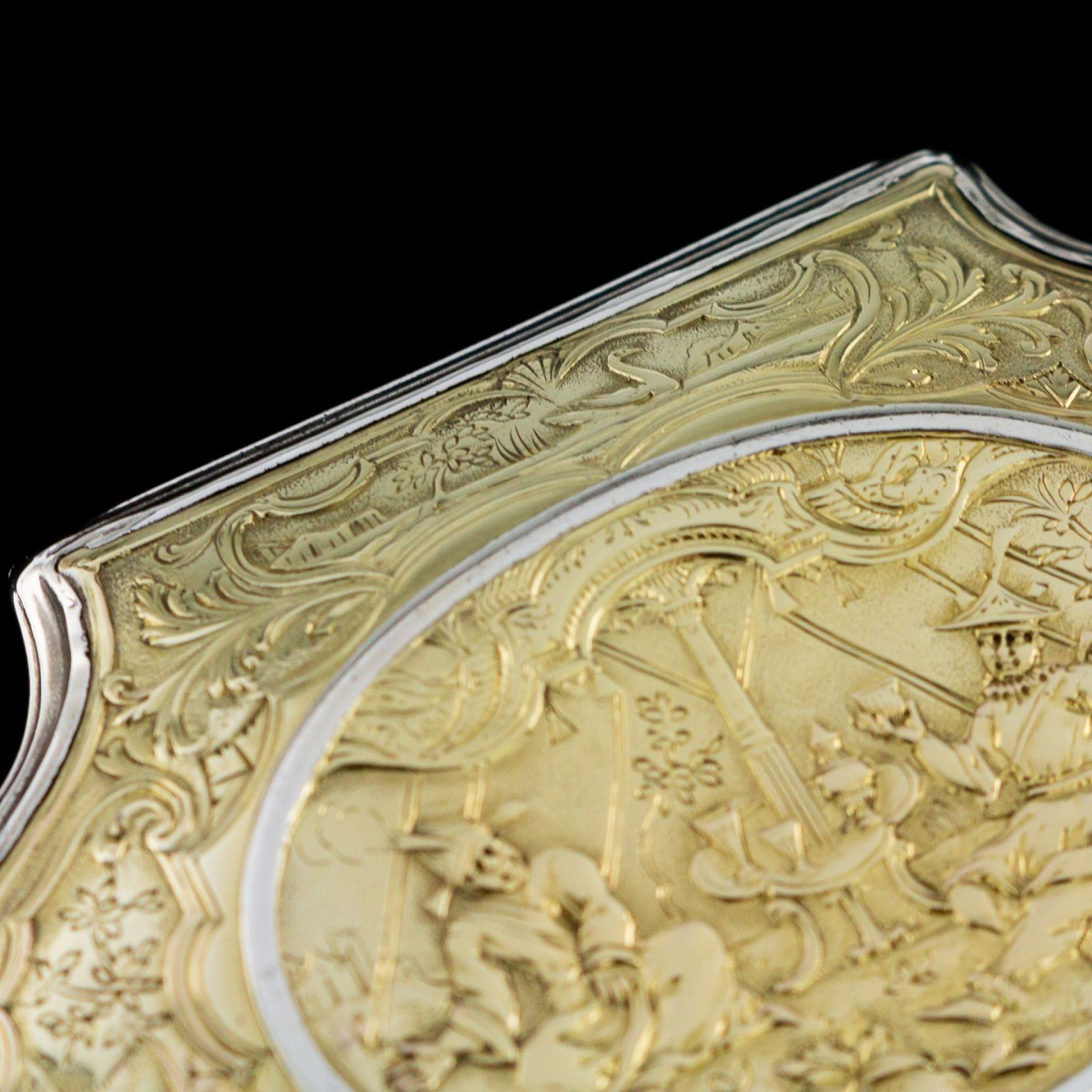 ANTIQUE 18thC GERMAN 12K SOLID GOLD & SILVER SNUFF BOX c.1720