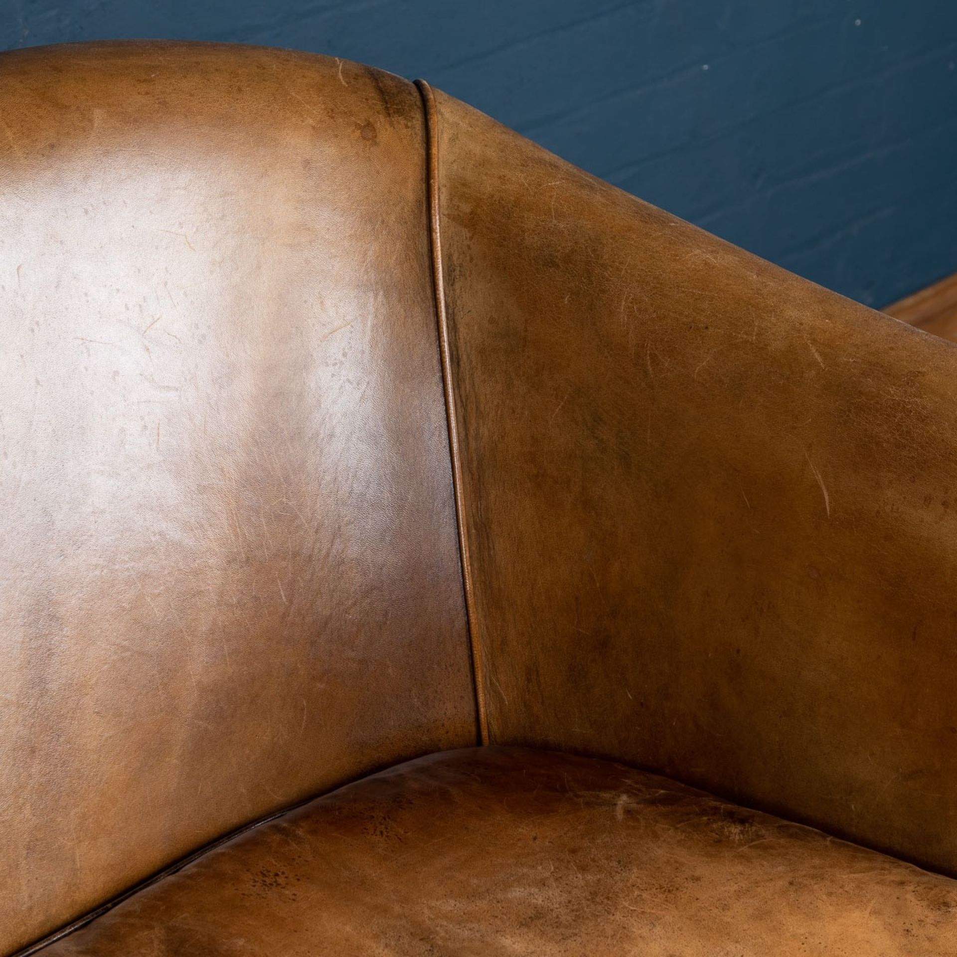 SUPERB 20thC DUTCH TWO SEATER TAN LEATHER SOFA c.1970