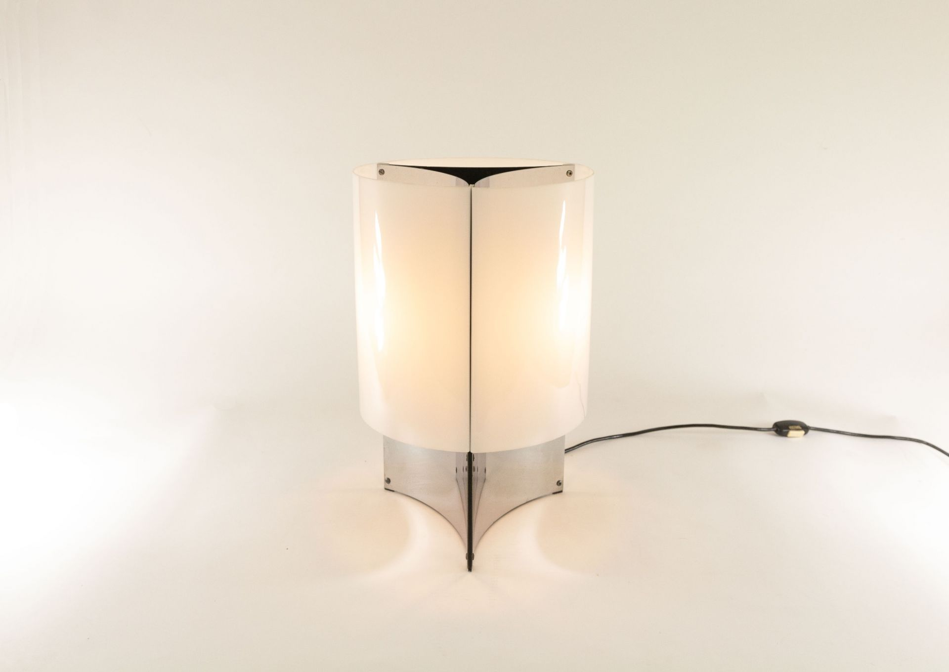 Table lamp model No. 526/P by Massimo Vignelli for Arteluce, 1965
