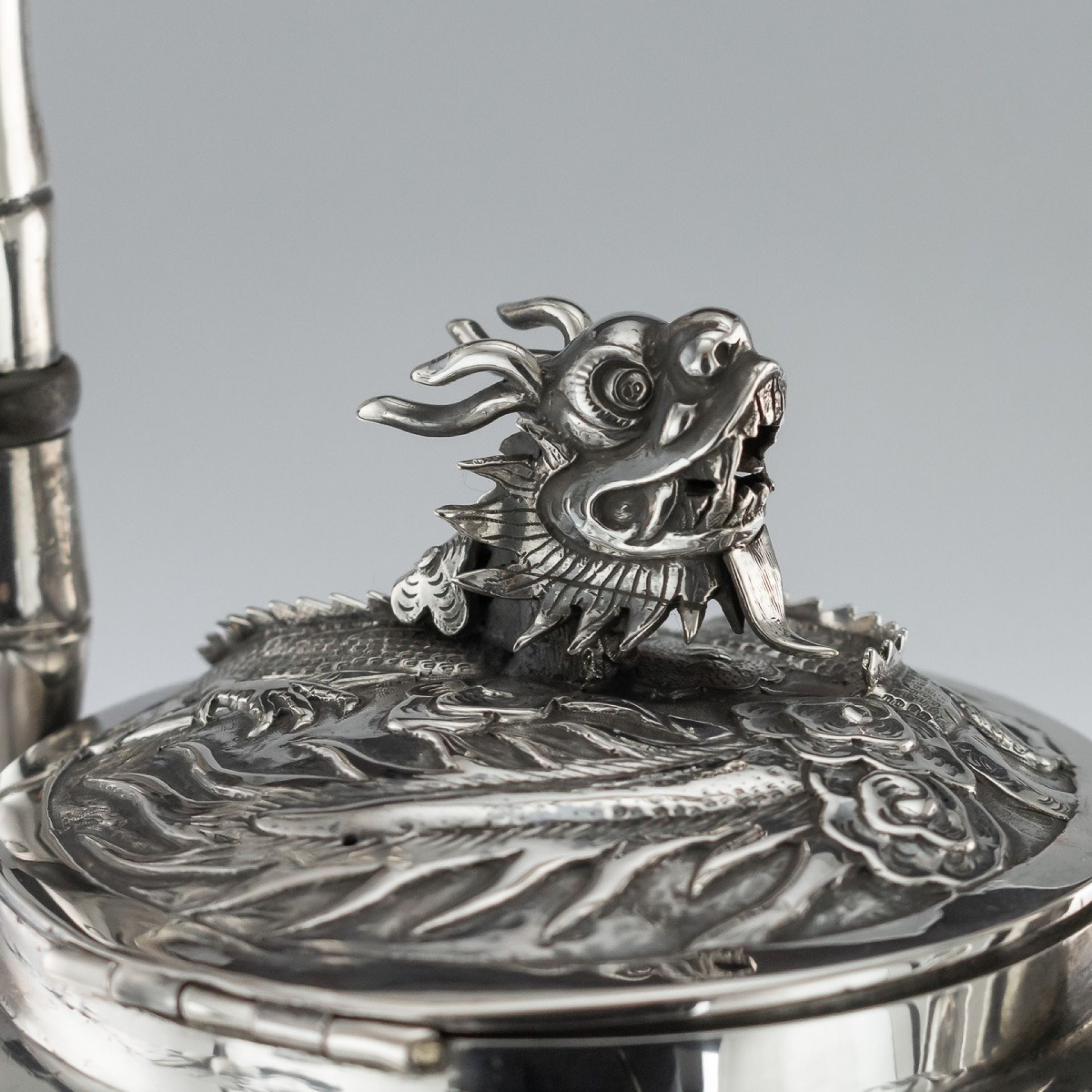 ANTIQUE 19thC CHINESE EXPORT SOLID SILVER KETTLE ON STAND, WANG HING c.1890