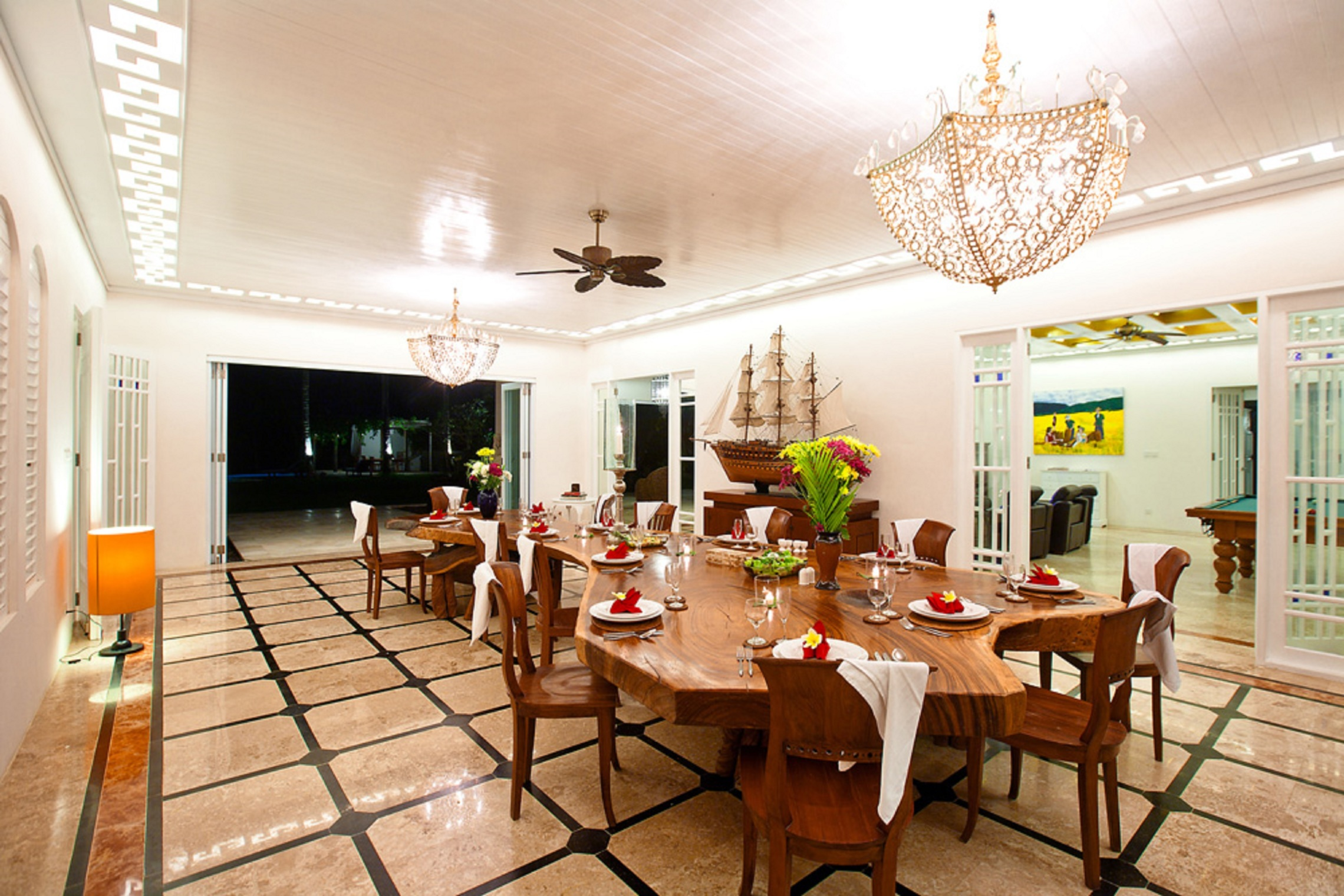 4 - 6 Bedrooms Beachfront Classic, Puri Nirwana Villa