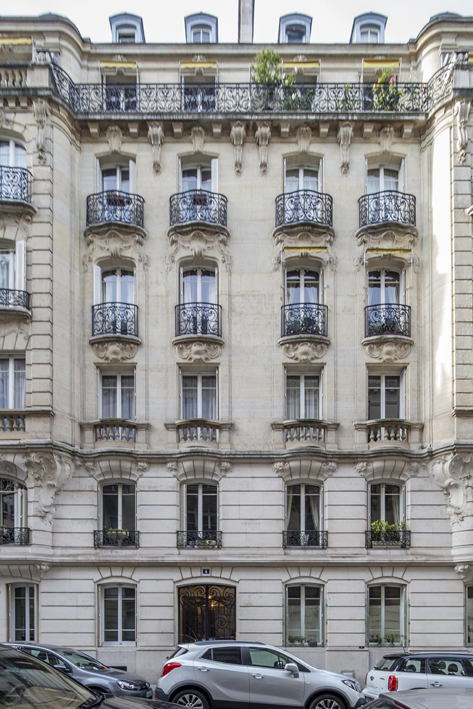 PARIS (16E ARR.) - VICTOR HUGO