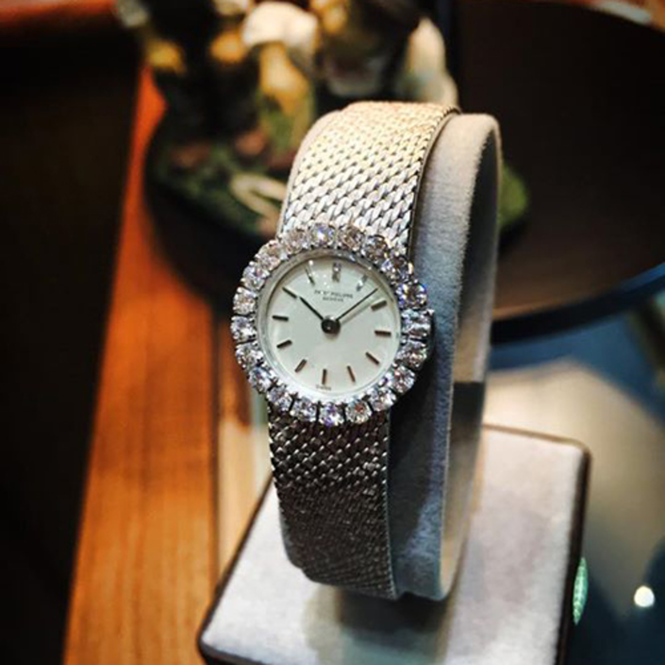 70\'S LADY PATEK PHILIPPE | 18K WHITE GOLD DIAMOND