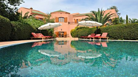 Outstanding villa off the road to Ourika