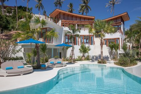 4 Bedroom Stunning Seaview Villa