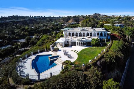 1187 NORTH HILLCREST ROAD - BEVERLY HILLS