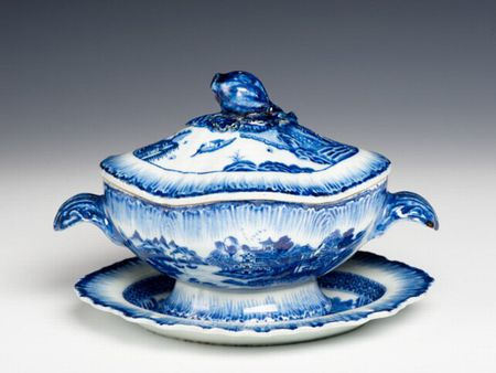 Chinese export porcelain sauce tureen and stand after an English creamware shape, c. 1790, Qianlong reign, Qing dynasty