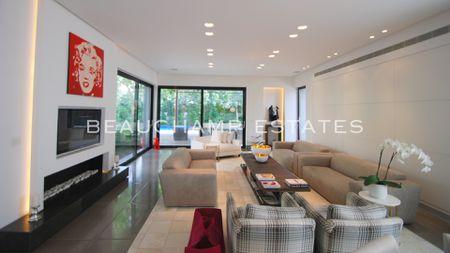 Spacious modern villa