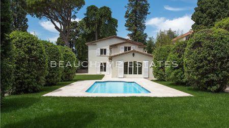 Wonderful Provençal-Modern Villa Cannes