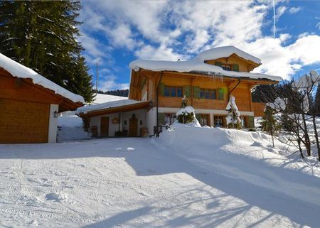 Chalet for sale in Saanenmoser, Gstaad