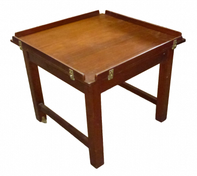 LINER\'S TABLE