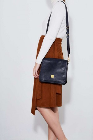 The Urban Stroll Shoulder Bag in Blue Italian Leather
