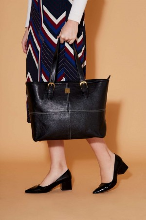 The Manhattan Tote Bag in Black Italian Leather