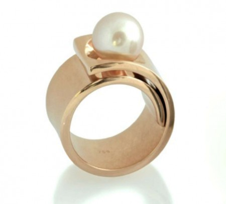 Contemporary Statement/Cocktail Ring In Rose-Gold with a Freshwater Pearl