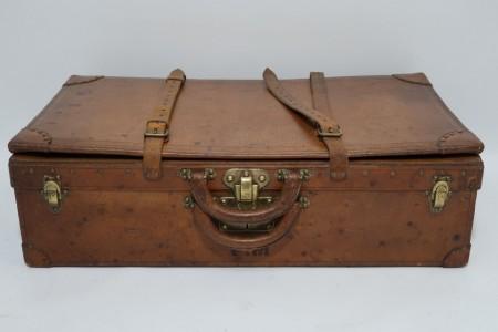 Antique Louis Vuitton Leather Expandable Case 1 of 100 Legendary Trunks