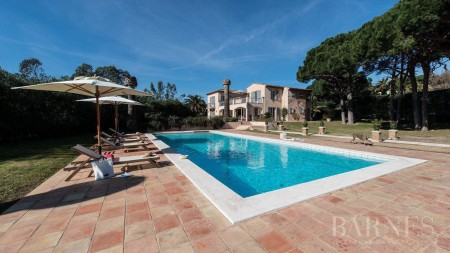 SAINT TROPEZ - Prestigious property in the parks with caretaker's house