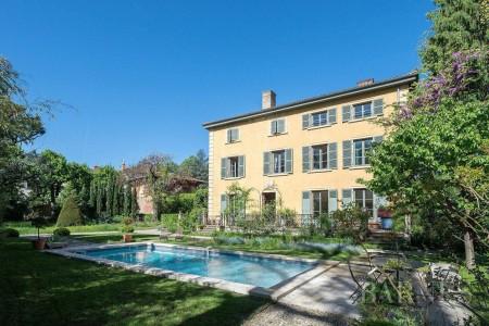 Écully - Center - 420 sqm property - 3000 sqm park - 8 bedrooms