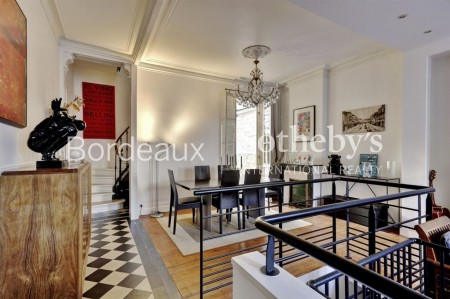 BORDEAUX - CROIX BLANCHE AREA - 140 SQ.M TOWN-HOUSE - 3 BEDROOMS - CLOSE TO THE GOOD SCHOOLS