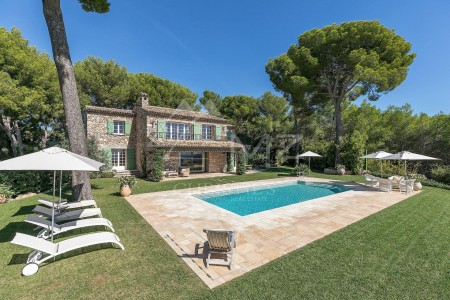 Cannes- Le Cannet - Charming proprerty with unique sea views