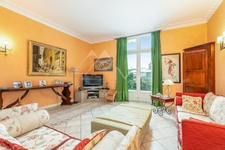 Cannes - Croix des gardes - Top floor apartment