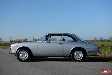 1970 Alfa Romeo 1750 GTV - Very nice original colour configuration