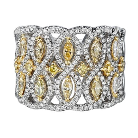 TAK FOOK - 18K YELLOW DIAMOND RING