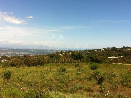 Cannes backcountry - Magnificent plot