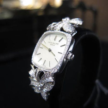 70\'S PATEK PHILIPPE | 18K WHITE GOLD DIAMOND