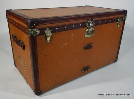 1910s Orange Louis Vuitton Steamer Trunk or Malle Courrier Vuitonite Orange
