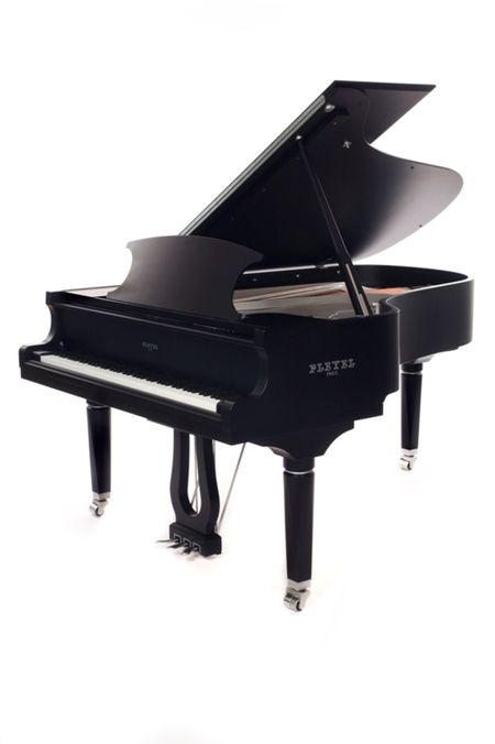 The piano Pleyel P204 - Grand piano