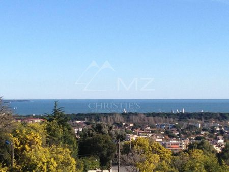 Close to Cannes - Plot with sea view