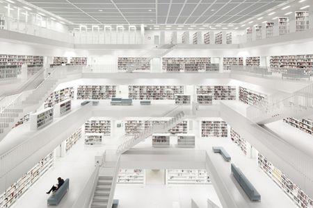 Bibliothek Stuttgart with woman